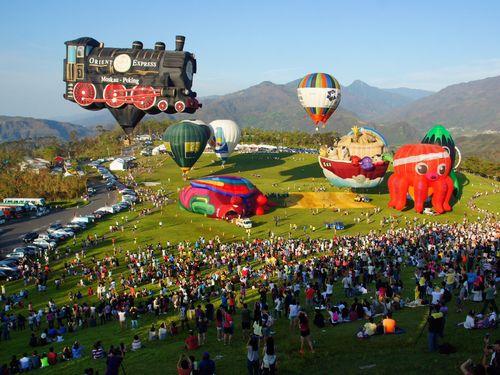台風被害で休止の熱気球フェス再開 台湾・台東県、各界からの支援に感謝