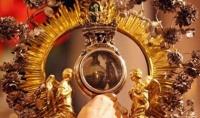 2017年前半を占う、聖ヤヌアリウスの「血の奇跡」の儀式(イタリア)