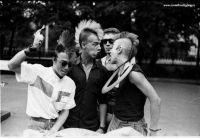 1980年代、赤の時代だったソ連(ロシア)の若者たちのロック文化に傾倒する様子がわかる写真。