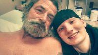 20年以上失踪していた父親はホームレスになっていた。父親と偶然再会した娘は一緒に暮らすことを夢見て(アメリカ)