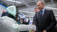 猛獣使いのプーチン、ついに「暴走ロボット」も手なずける。ガッチリ握手を交わしてフレンドリーな雰囲気に