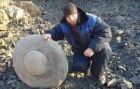 ロシアの炭鉱労働者が超小型のUFOを発見か?