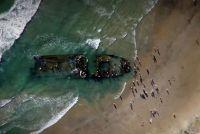 浜辺に打ち上げられた謎の難破船。その正体は幽霊船となっていたリュボフィ・オルロヴァ号なのか?