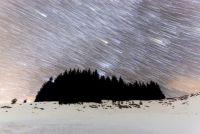 今すぐ夜空にロックオン!「ふたご座流星群」が降り注ぐ。12月13日深夜から、さあパーティーの始まりだ!