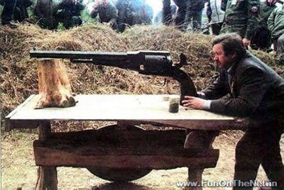 これが世界最大のリボルバー拳銃なのか…