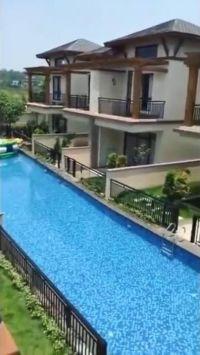 「こんな発想はなかった…」中国の住宅地にできたプールが斬新すぎると注目を集める