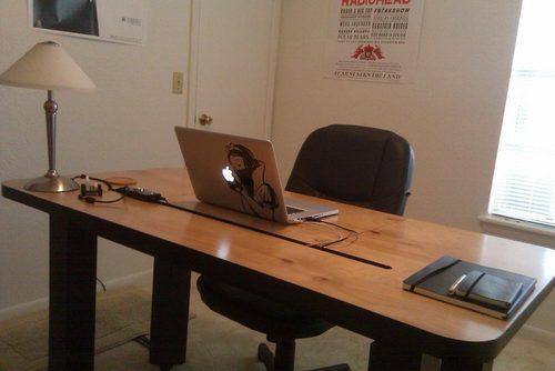 仕事場探訪 配線すっきりpcデスクをdiy 2010年2月26日 エキサイトニュース