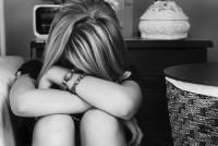 泣きすぎちゃっても大丈夫! 目の腫れを治す簡単ケア