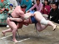 <大相撲>2横綱の全勝並走に白鵬「見ている方は楽しいね」