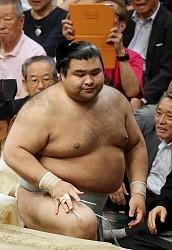 <大相撲夏場所>目標の賜杯に届かず 高安3敗目