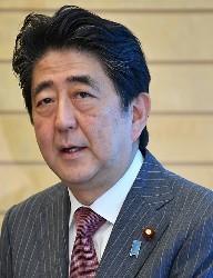 <安倍首相>過去に加計役員「報酬、1年で14万円」参院委