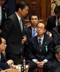 <加計新学部>和泉補佐官、前川氏主張を否定 閉会中審査