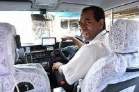 <大阪・タクシー>ブラジル人運転手は8カ国語で対応