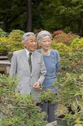 <皇后さま83歳>退位実現「安らぎ」 特例法に感謝
