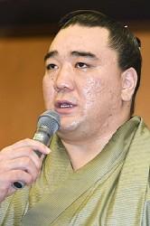 <傷害容疑>元横綱・日馬富士を書類送検 鳥取県警