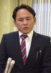 <加賀市議会>ネットで飲食店中傷 投稿市議に辞職勧告決議