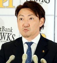 <プロ野球>内川5000万円増 ソフトバンクと新2年契約