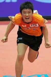 <卓球>14歳張本、史上最年少V 全日本選手権