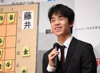 <藤井五段最年少優勝>棋界に新時代 「強すぎる」驚く棋士