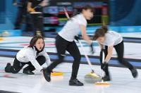 <五輪カーリング>日本女子、スイスに敗戦も史上初4強進出
