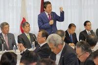 <森友文書改ざん>首相が陳謝 自民党全国幹事長会議