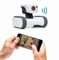 キャタピラで自由に移動して外出先から操作できるネットワークカメラ「アボットライリー」