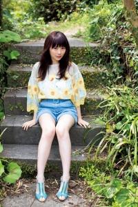 欅坂46長沢菜々香、ほっそり美脚あらわ ナチュラル美で魅了