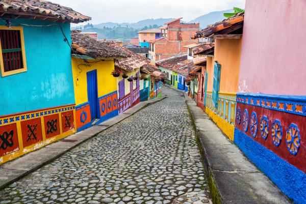 コロンビア、国民の1/5が路上生活者