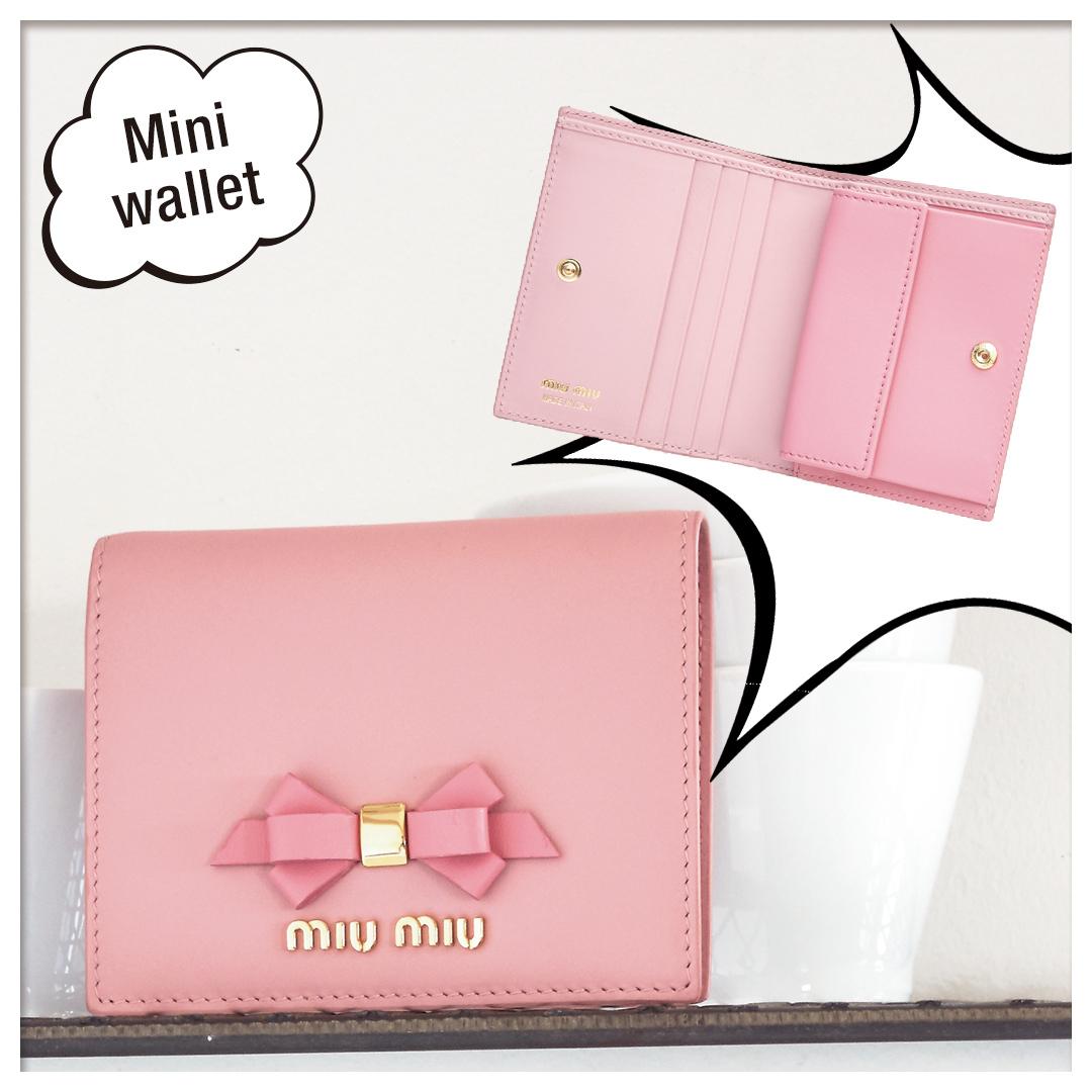 official photos 5c3c5 a3a9c ミュウミュウのミニ財布がほしい♡ 中もチェックしてお気に入り ...