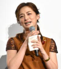尾野真千子、観客総立ちに号泣「ご褒美をもらえた」 向井理も感慨