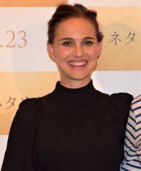 ナタリー・ポートマン、滑らか日本語であいさつ 「酉年です」と干支も披露