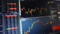 100株単位に統一へ 株式併合の影響と注意点