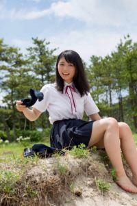 欅坂46・長濱ねる、ロングセラーの写真集が6度目重版 累計17万5000部突破の大ヒットで未収録の美脚カット公開