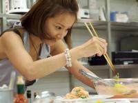 クリスマスにぴったり!鈴木亜美ファンクラブイベントで料理教室開催!