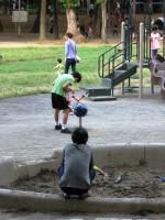 高齢者に公園を奪われる日本の子どもたち―華字紙編集長
