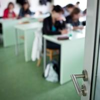 地震発生の韓国、学生たちがパニックに陥る中である日本人教授の取った行動が「かっこいい」と話題に