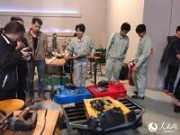 日本の高校チーム、中国のロボット格闘技大会で奮闘!―上海市