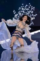 ファッションショーで中国人モデル転倒、中国のメンツ重視が露呈―米華字メディア