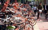道路に自転車が山積み!「われわれの民度ではシェアサイクルは成り立たない」との声も―中国