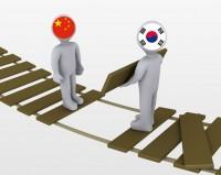 中国人警備員が韓国人記者を集団暴行、中国外務省「韓国側が雇ったスタッフだった」―文大統領の訪中で