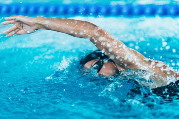 朝活にオススメ!朝の水泳はダイエット効果が高い理由 (2019年5月14日)