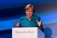 ドイツ、電気自動車への移行で大規模投資必要=首相