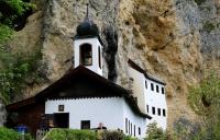 オーストリアの隠遁修道院、隠者に選ばれた男性が生活を開始