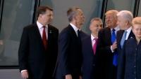 米大統領が他国首脳押しのけ前列に、NATO会議での動画拡散