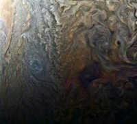 NASA、木星表面の画像公開 サイクロンやアンモニアの川確認