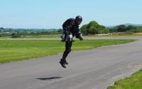 「アイアンマン」式ジェットスーツ、開発の英男性は実用化に期待