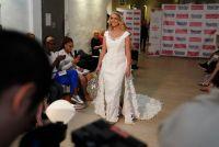 「トイレットペーパー製花嫁衣裳」コンテスト、優勝は蝶のドレス