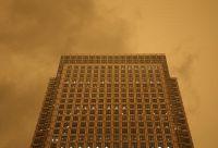 ロンドンが「黄色い空」に、強風がサハラ砂漠や山火事の塵運ぶ