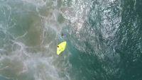 オーストラリアの海岸でドローンが水難者救助、世界初
