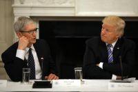 アップルCEOがトランプ米大統領批判、人権団体寄付を表明